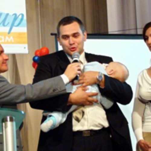 """Святкування 17-річчя церкви """"Божий мир"""" завершилося благословенням сімейних пар"""