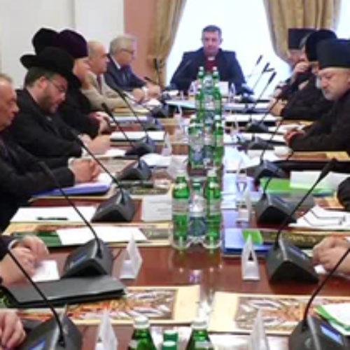 Рада Церков закликає владу не заважати доброчинності, а громадян – зберігати мир