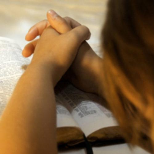 МАХВЄ оголосила місяць молитви за Україну
