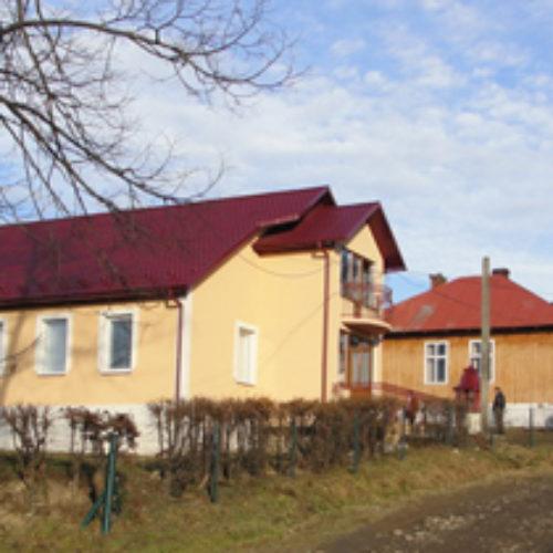 На Івано-Франківщині, в селі Красному, відкрито новий дім молитви