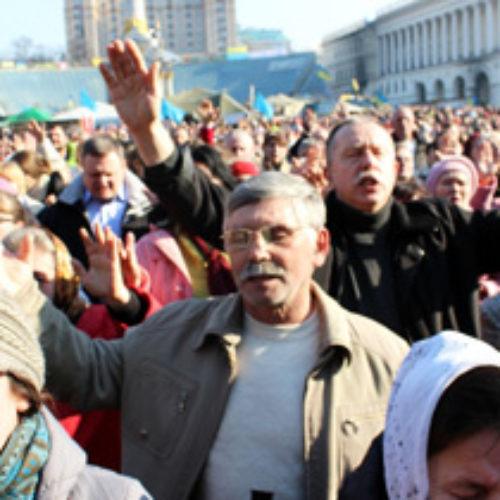 Молитовне віче об'єднало сотні євангельських церков (ВІДЕО)