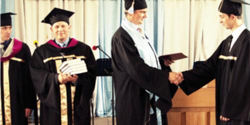 У Коростенській семінарії випуск