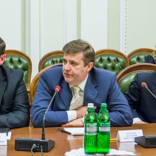 Анатолій  Козачок: «В Україні потрібен рамковий закон про благодійність, час державі поділитися важелями впливу з церквами»