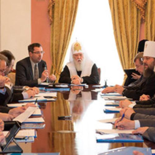 Всеукраїнська Рада Церков закликає віруючих брати участь в обороні Батьківщини