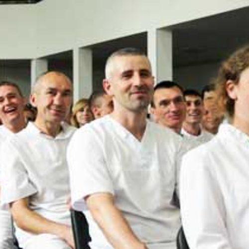 У київський церкві  «Скинія» на свято П'ятидесятниці охрестили 36 нових членів та рукопоклали служителів