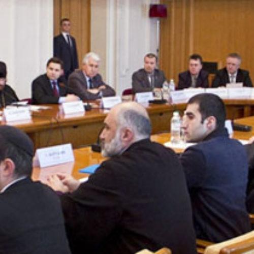 Громадська рада при МЗС засудила кремлівську пропаганду стосовно релігійної ситуації в Україні