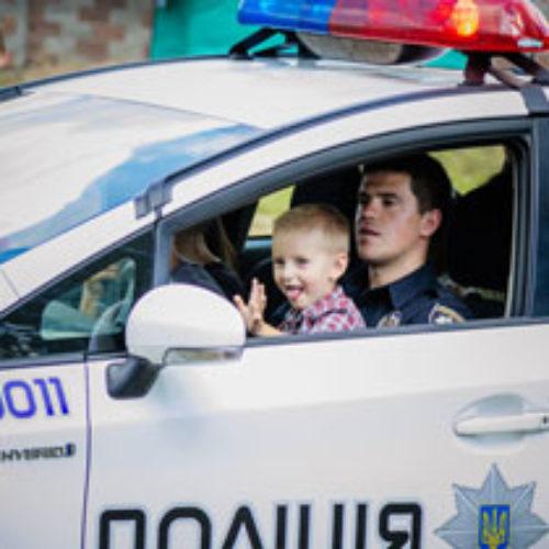На Рівненщині патрульна поліція стала гостем християнського дитячого табору