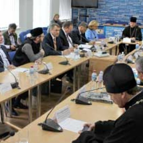 «Нам потрібен базовий закон про капеланство» – учасники круглого столу в «Укрінформі»