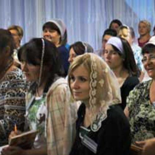 Слідами сестринської конференції: що відбувається за лаштунками служіння?