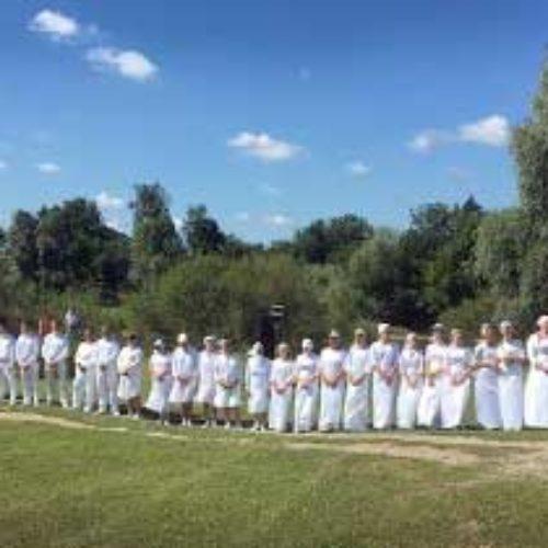 Свято для усього села: водне хрещення у Тинному