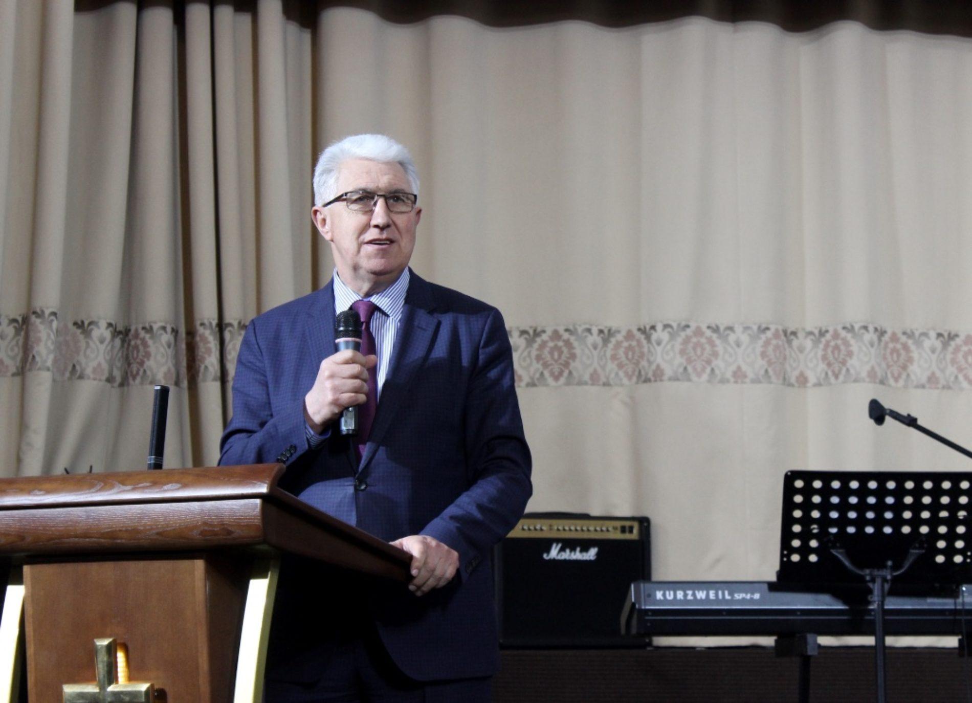 Триста молодіжних служителів п'ятидесятницьких церков взяли участь у конференції «Елементи лідерства»