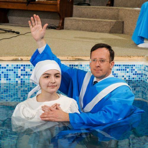 На Львівщині охрестили тридцять нових членів церков (ФОТО)