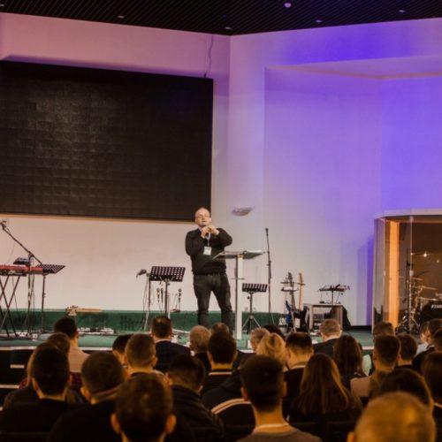 Як розпоряджатися фінансами вчилися молодіжні служителі церков під час конференції «Елементи лідерства»