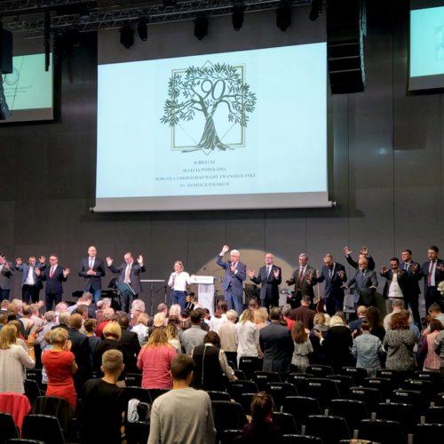 «Майте завжди мир і будьте єдині» – Михайло Паночко привітав поляків із 90-річчям п'ятидeсятницького руху