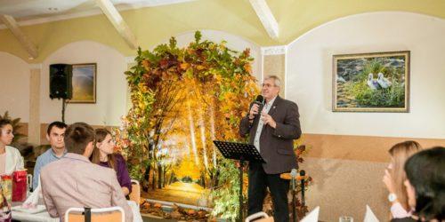 «Як знайти баланс між сім'єю і служінням?» – вечір для сімейних пар провели у церкві Івано-Франківська