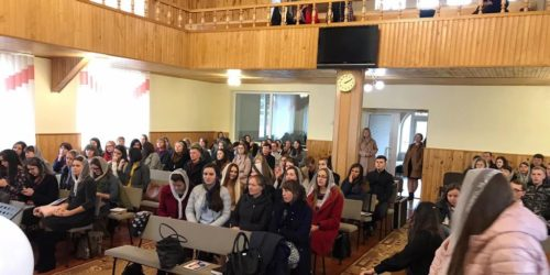 Вчителі недільних шкіл на конференції в Підгайцях шукали відповідь на питання «Як зберегти покоління»