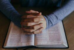 Рада Церков оголосила 25 березня Днем загальної молитви та посту за Україну