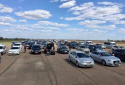 Луцькі п'ятидесятники провели пасхальні авто-богослужіння на аеродромі