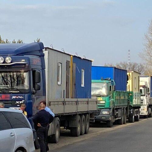 Мобільні будинки для постраждалих від пожеж доставили на Луганщину