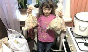 «З днем народження, Ісусе!» – волонтери роздали сім тисяч продуктових наборів та Євангелій у 10 областях одночасно