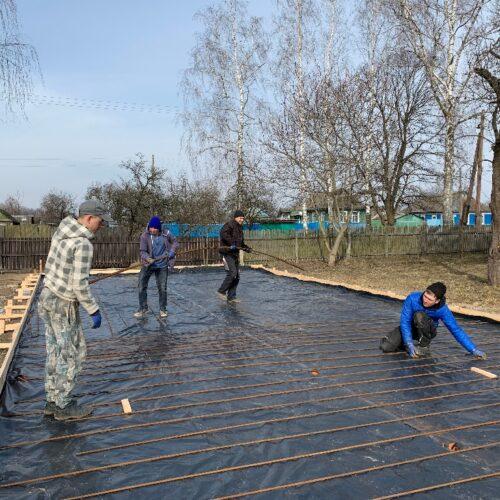 Будівельники з Волині почали спорудження Дому молитви у Зноб-Новгородському на Сумщині