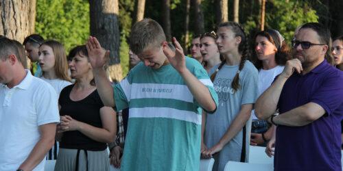 Молодь Київських церков провела спільний вікенд за містом