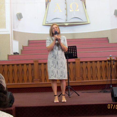 «Жінка, яка шукала Бога» – на конференції в Івано-Франківську сестрам служила місіонерка з Мексики